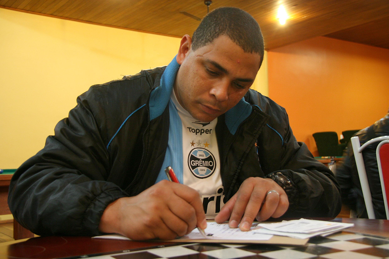 Porto Alegre, RS, 01/07/2013 Inscrições para a Educação de Jovens e Adultos (EJA) Foto: Victor de Freitas/Divulgação PMPA