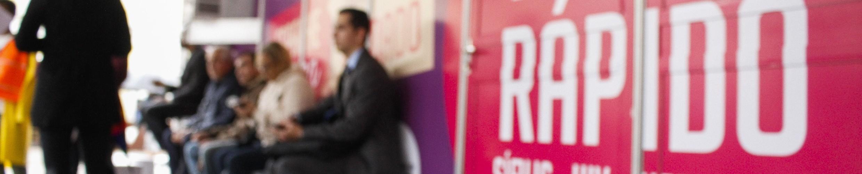 """Porto Alegre, RS - 08/06/2017  SMS, através da área de DST Aids, promove ação da campanha """"Espalhe amor. Compartilhe cuidado"""", do Dia dos Namorados. Seis consultórios com exames gratuitos de HIV, sífilis e hepatite C (teste rápido). Local:  Largo Glênio Peres Foto: Cristine Rochol/PMPA"""